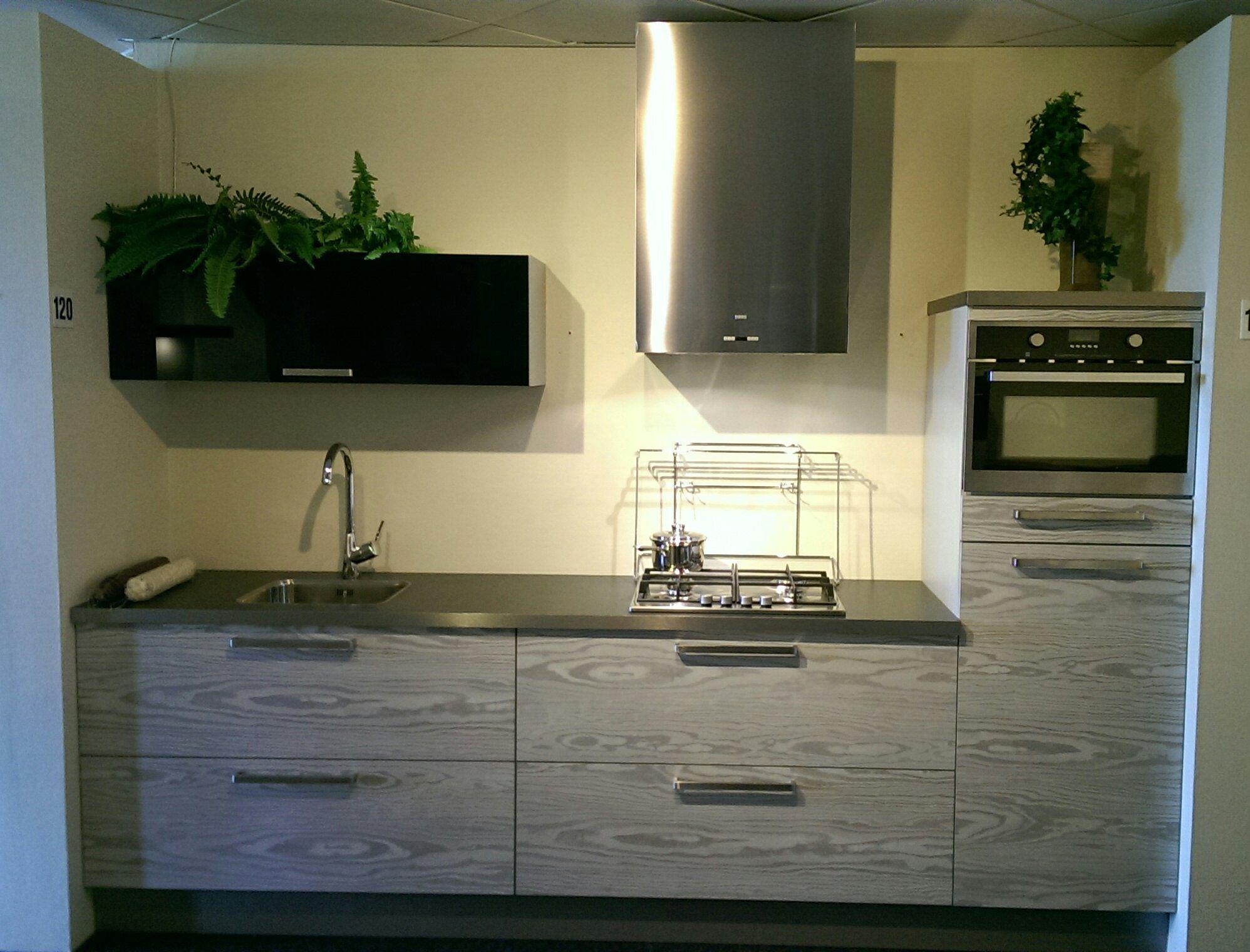 Paul roescher outlet paul roescher outlet kleine rechte keuken y120 49646 - Keuken kleine keuken ...